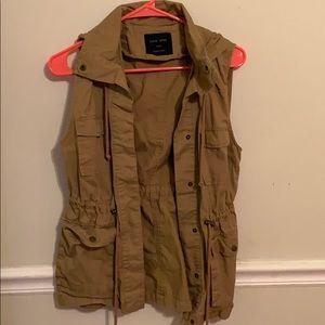 Jackets & Blazers - Tan women's vest!